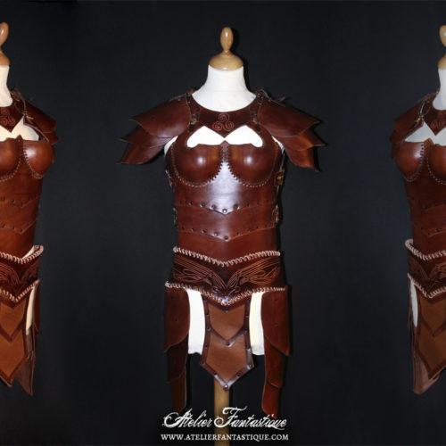 armure-en-cuir-femme