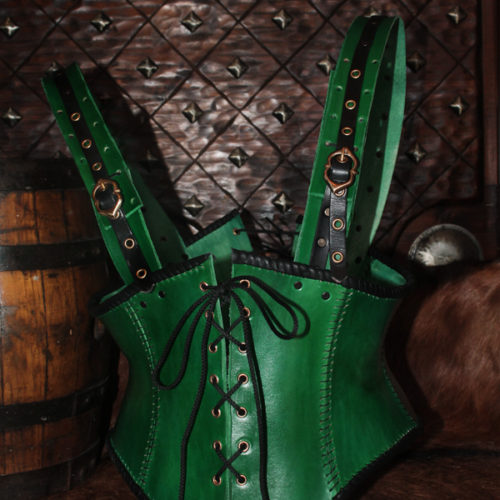 corset-en-cuir-elfique