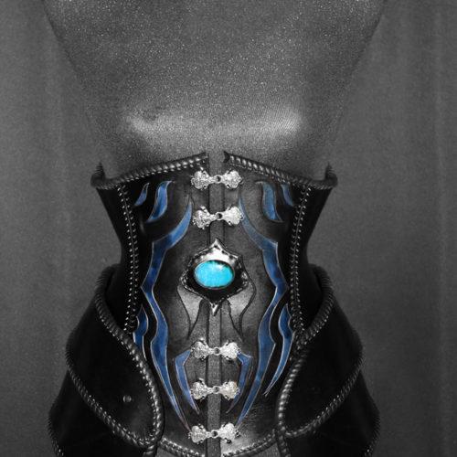 corset-en-cuir-fantastique