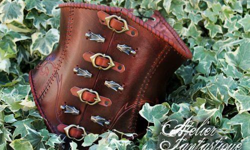 corset-en-cuir-medieval