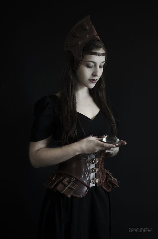 costume-fantastique-en-cuir