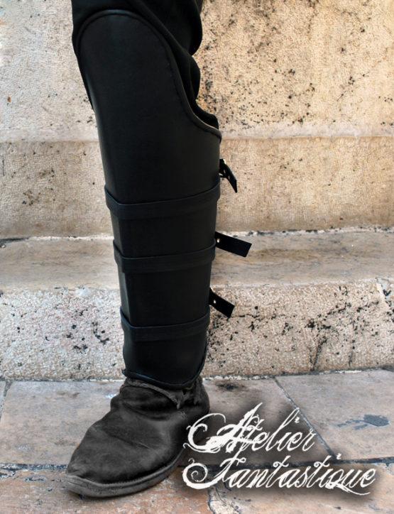 jambieres-cuir-noir