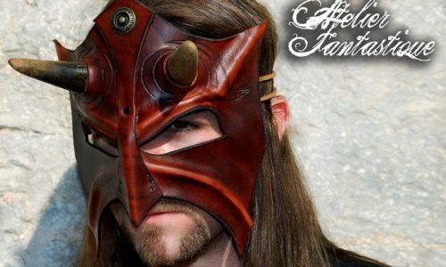masque-cuir-corne