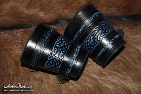 brassards-cuir-noir-bleu