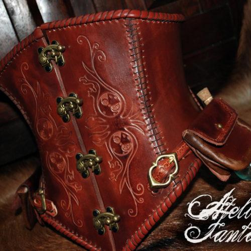 corset-steampunk-en-cuir