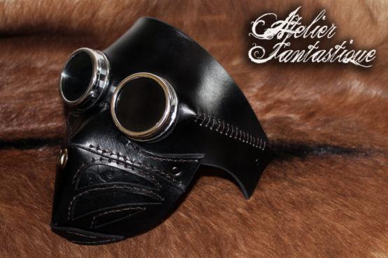 masque-en-cuir-noir