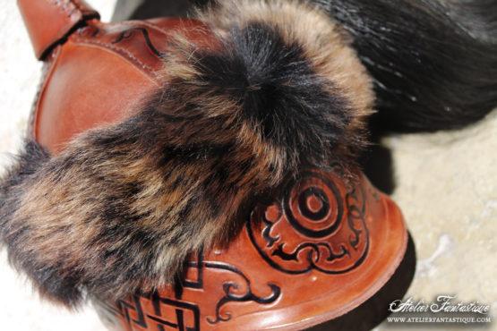 casque-en-cuir-mongol
